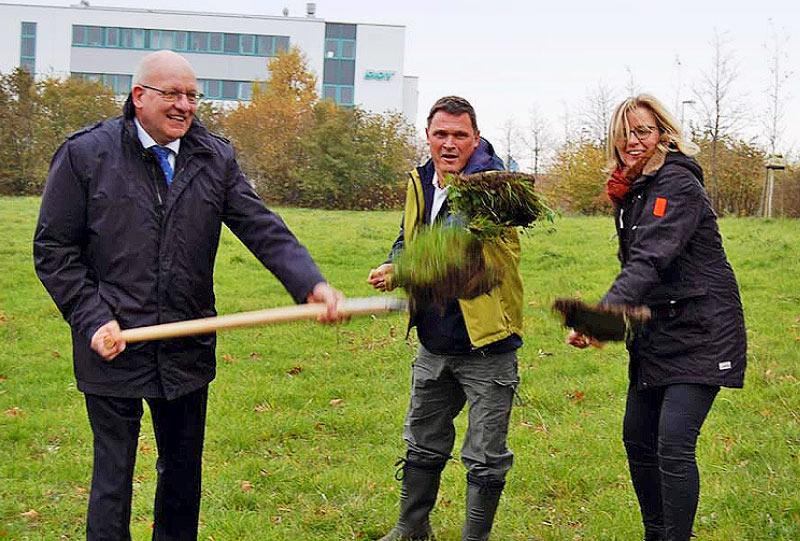 Neue Kleingartenanlage Rostock Südstadt OB Methling Gartenverbandschef Seifert Grünamtsleiterin Fischer-Gäde Spatenstich