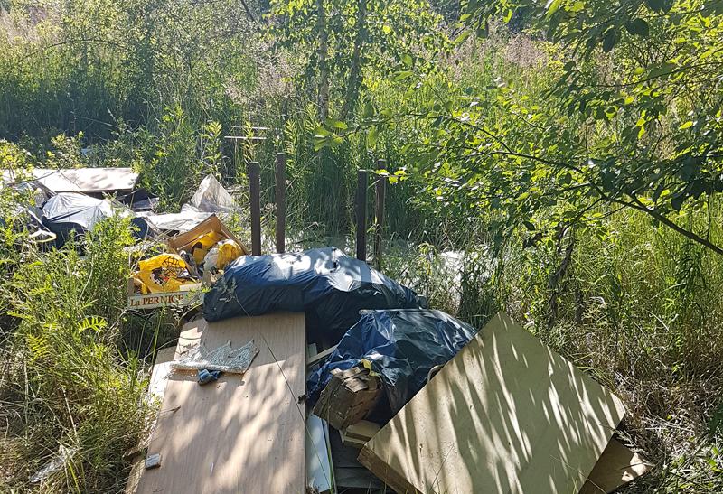 Illegale Müllablagerung in Biestow