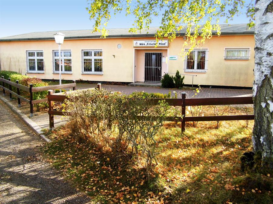 Sorbas Grieche Umzug in Kleingartenanlage Südstadt Rostock